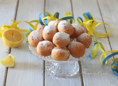 Castagnole con pasta choux alla ricotta dolci di Carnevale