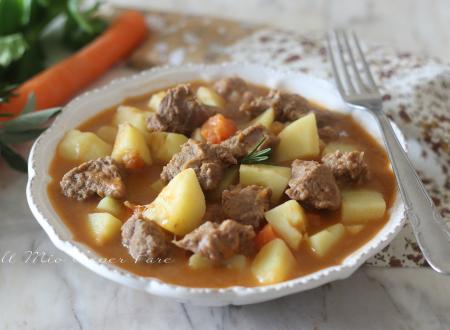 Spezzatino con le patate ricetta carne in umido tenera e succosa