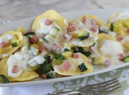Pasta con zucchine e prosciutto cotto ricetta ravioli cremosi