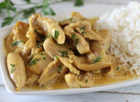 Korma di pollo ricetta indiana brasato cremoso