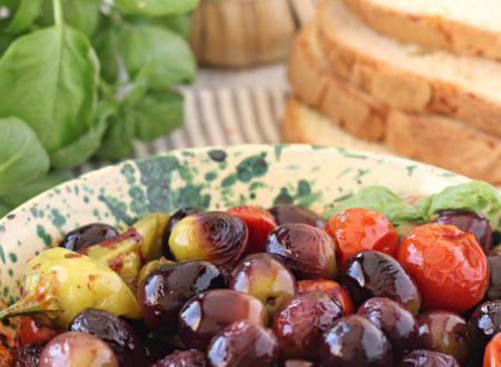Olive fritte con pomodori e friggitelli
