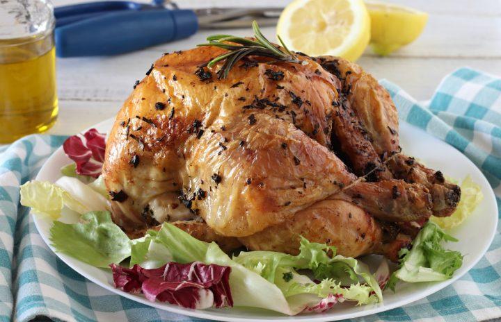 Pollo arrosto al forno come in rosticceria ricetta il mio saper fare