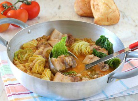 Zuppa di fagioli con verza e pancetta di maiale