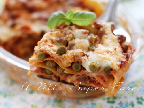LASAGNE alla SICILIANA ricetta con ragù di carne e piselli