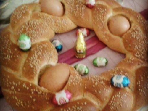Corona intrecciata di pane