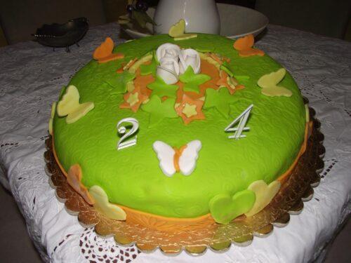 Pasta di zucchero con il miele per decorare le torte Bimby
