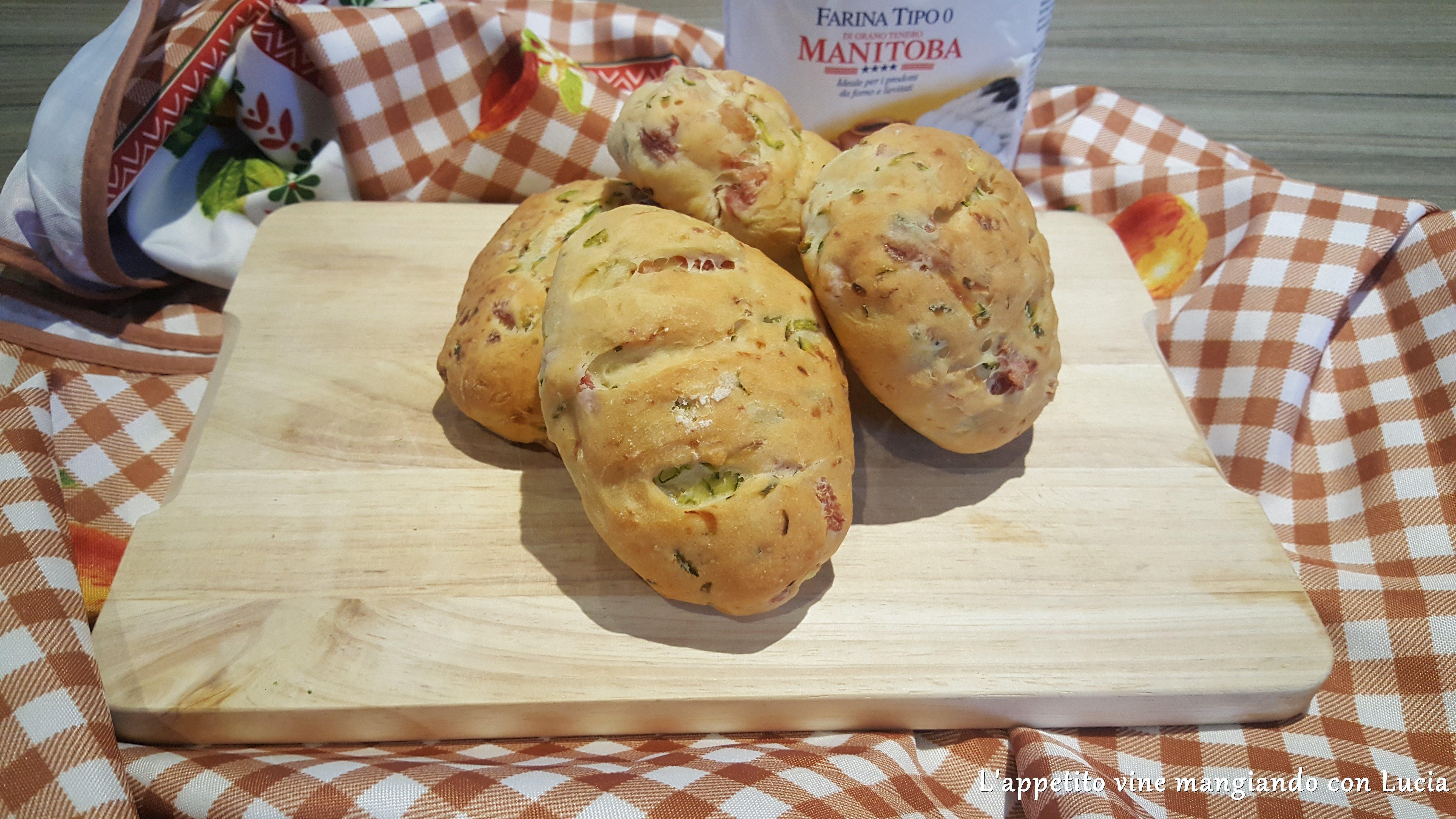 Pane con zucchine e pancetta