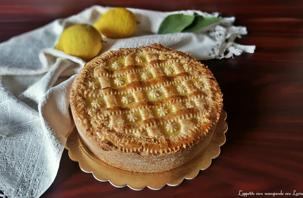 Crostata con crema pasticcera al profumo di limone