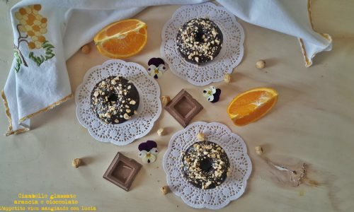 Ciambelle glassate arancia e cioccolato