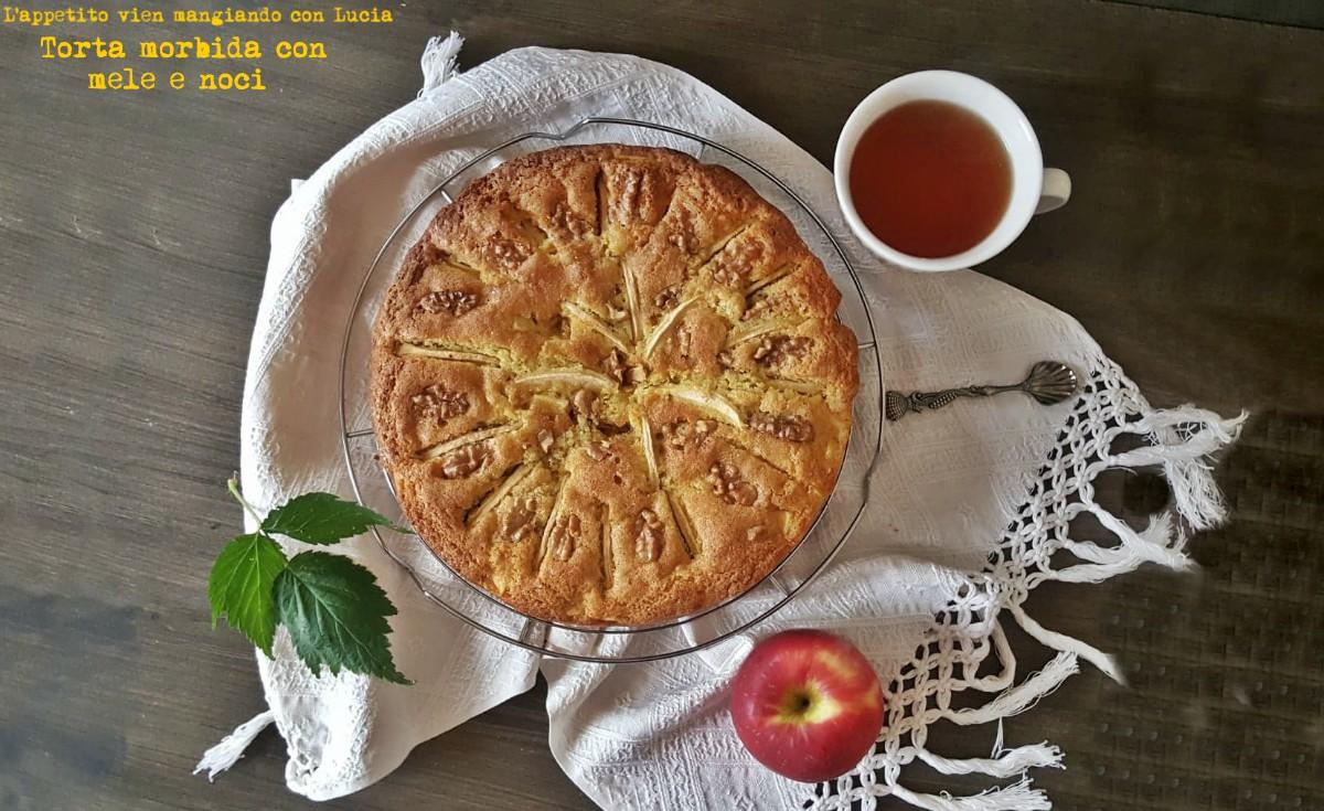 Torta morbida di mele e noci