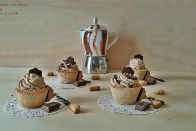 Tazzine di frolla al cioccolato e caffè