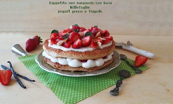 Millefoglie yogurt greco e fragole