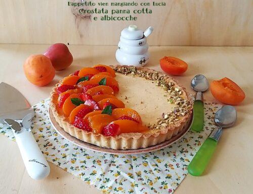 Crostata panna cotta e albicocche