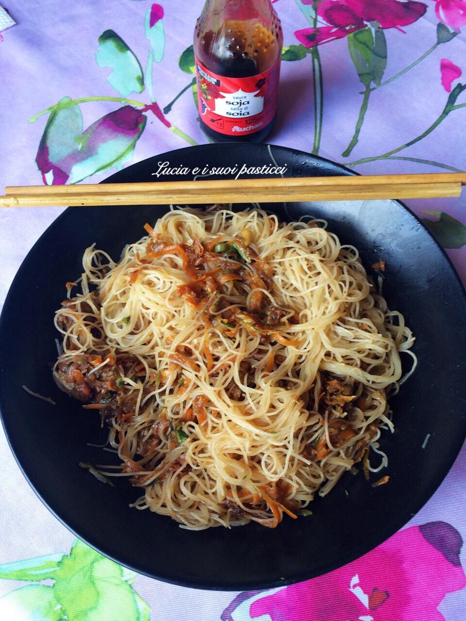 Spaghetti di soia con verdure croccanti   Lucia e i suoi pasticci