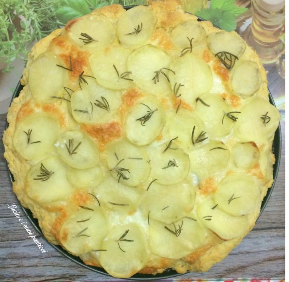 Speedy focaccia con patate e mozzarella