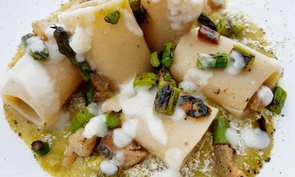 Gigli con asparagi guanciale e riduzione di parmigiano