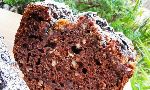 Plumcake al Vermouth Rosso e crema di carruba