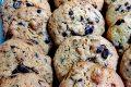 Cookies con cioccolato, cereali e nocciole