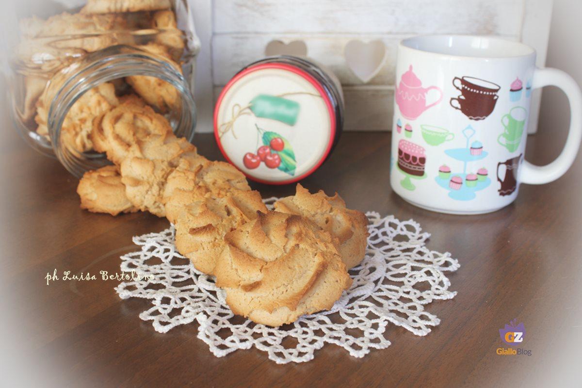 Biscotti allo yogurt e marmellata