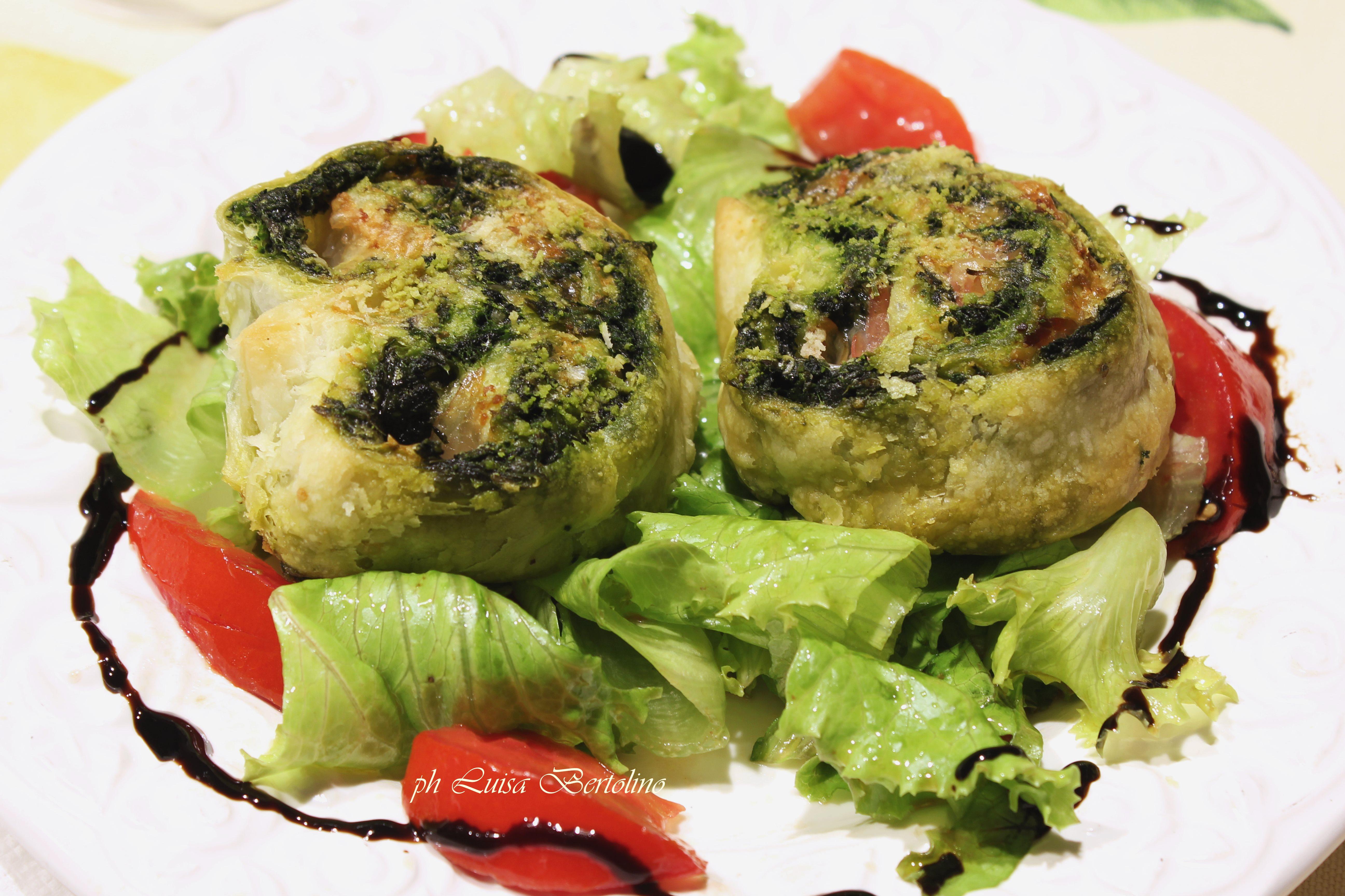 Rotolo di pasta sfoglia con spinaci