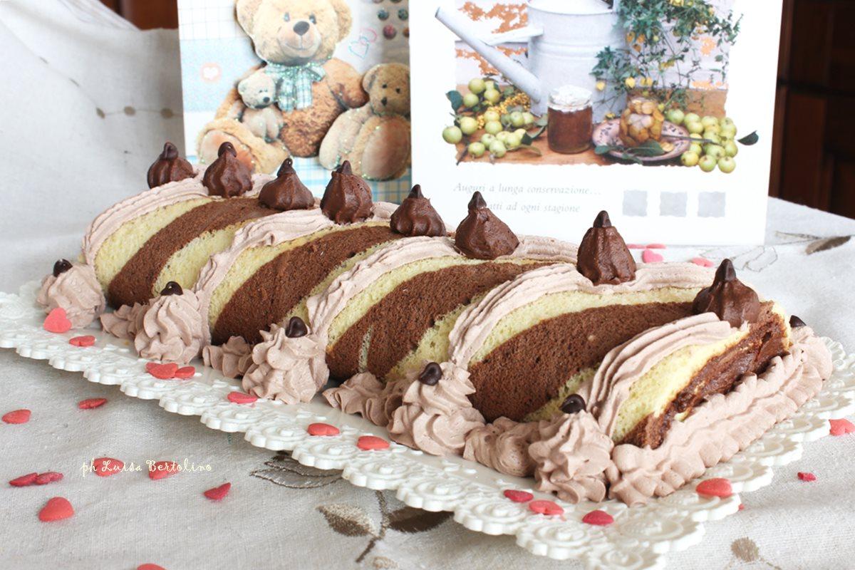 Rotolo bicolore con ganache al cioccolato