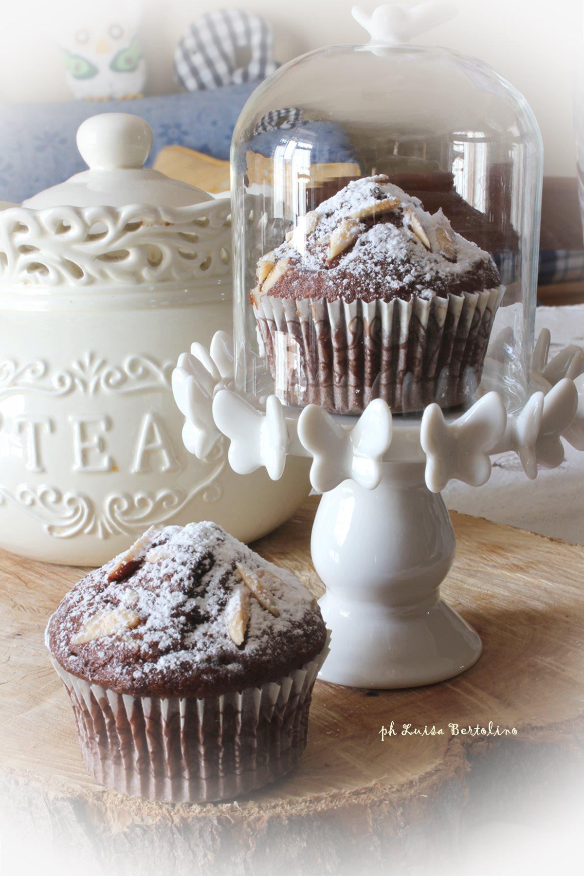Muffin al cacao con cioccolato fondente