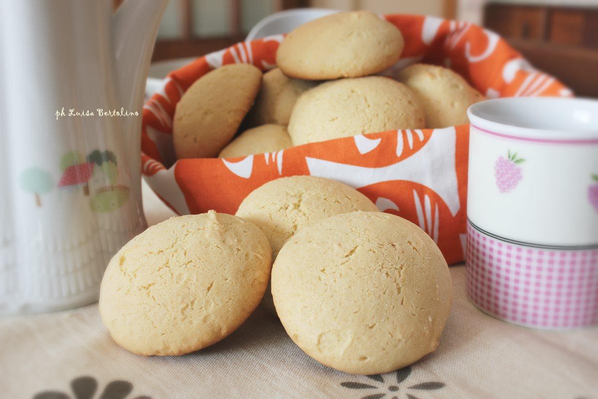 Ciambelle ( biscotti per il latte)