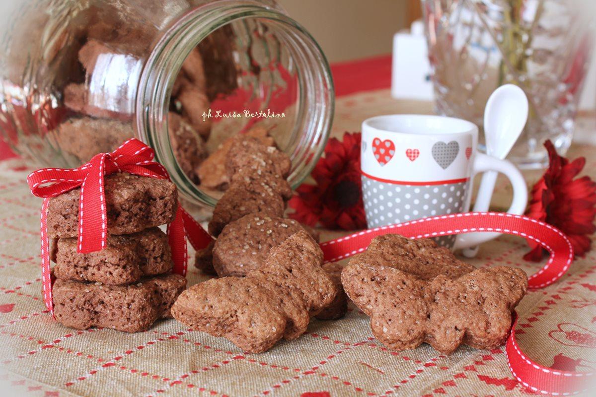 Biscotti al farro con cacao e zucchero di canna