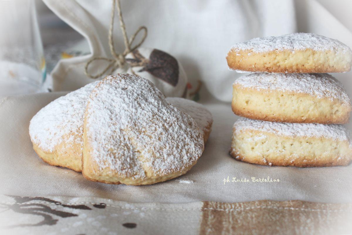 Biscotti cuore di panna alla vaniglia