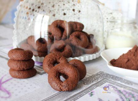 Biscotti al cacao con yogurt ( senza uova)
