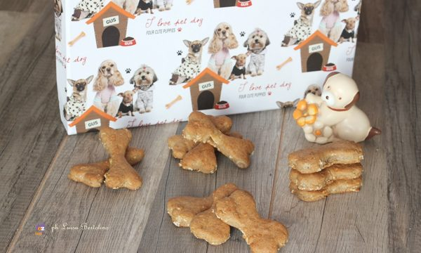 Biscottini  alla mela per cani
