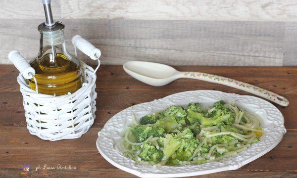 Spaghetti con i broccoli a minestra