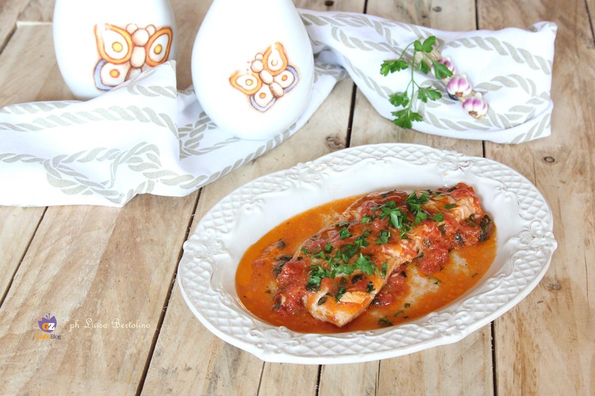 Filetti di pesce persico al pomodoro