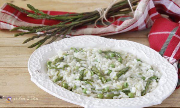 Risotto primavera con pisellini e asparagi