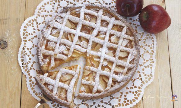 Crostata con confettura e mele