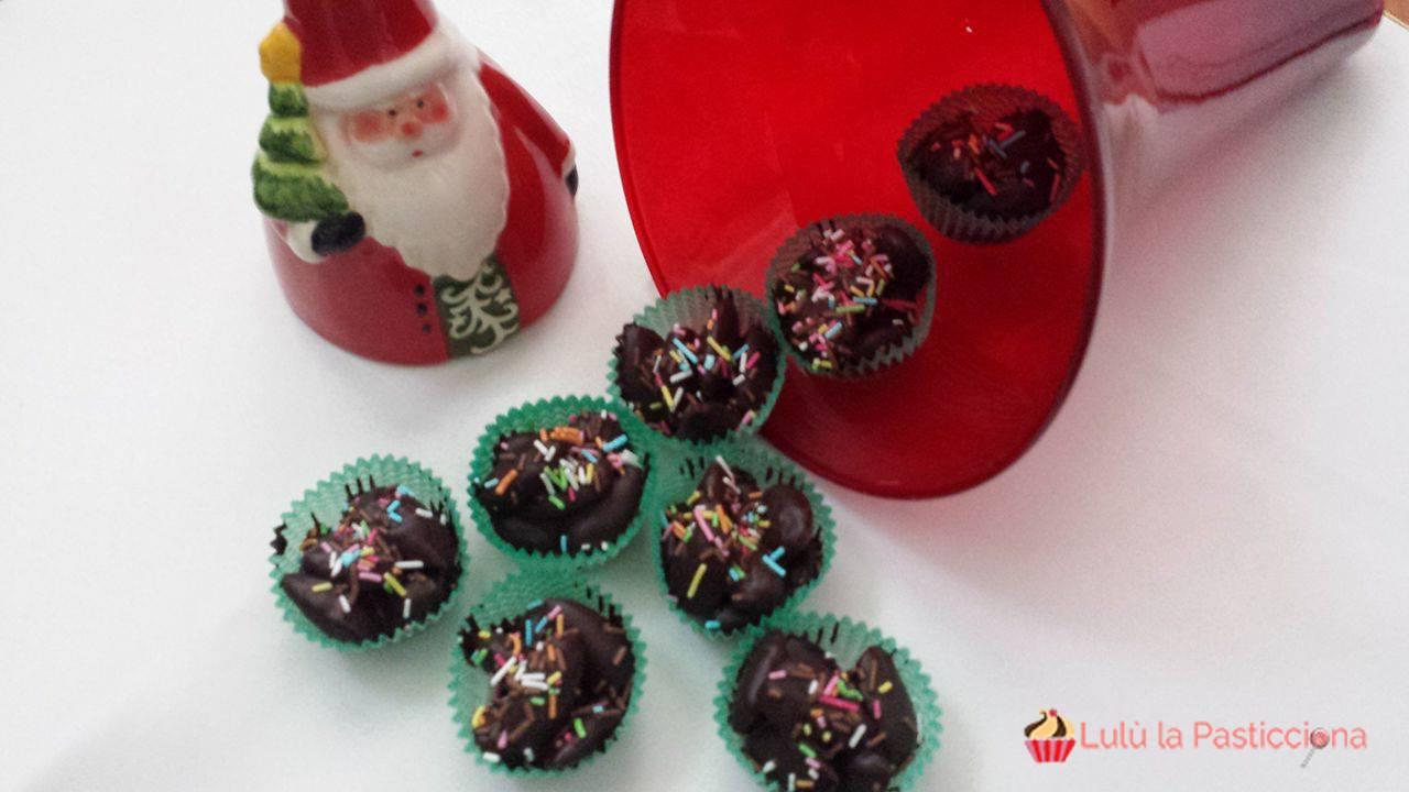Mandorle al fondente, dolci natalizi