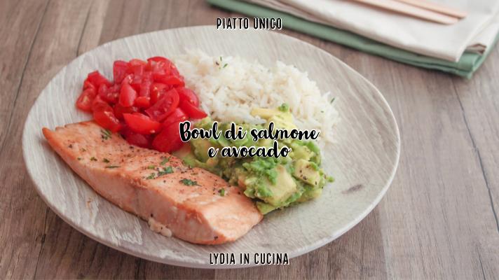 bowl di salmone e avocado