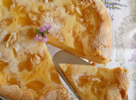 Cheesecake con yogurt greco e mele caramellate