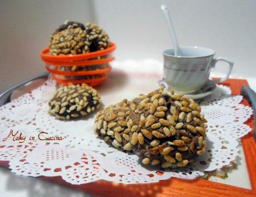 Biscotti al cacao con cocco e riso soffiato