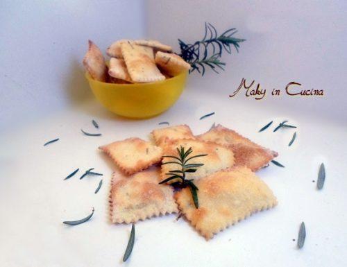Crackers salati al rosmarino