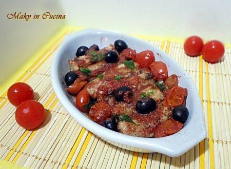Filetti di merluzzo con olive nere e pomodorini