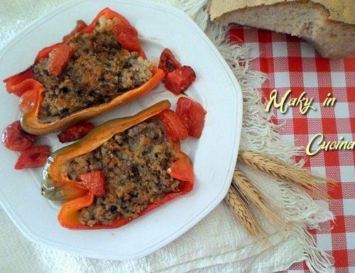 Barchette di peperoni ripieni al forno
