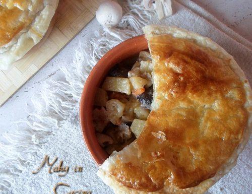 Cocotte patate e funghi in crosta