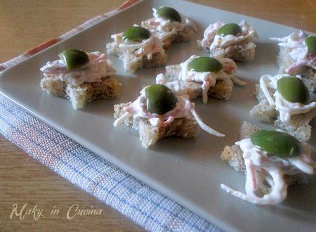 Tartine con insalata capricciosa