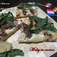 Pizza bianca rucola e ricotta
