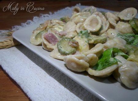 Pasta cremosa zucchine e prosciutto