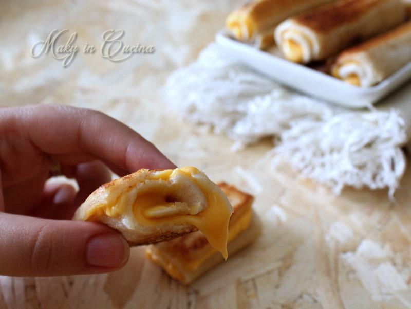 Rotolini al formaggio cheddar