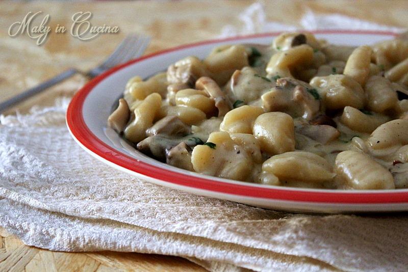 Gnocchi 4 formaggi e funghi