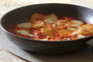 Uova e patate pizzaiola