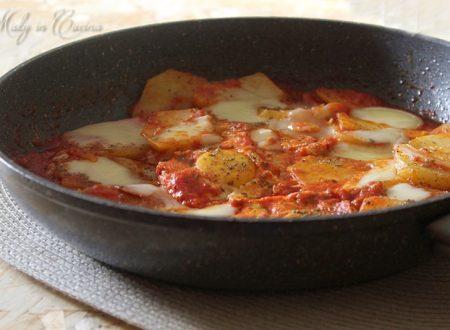 Uova e patate alla pizzaiola